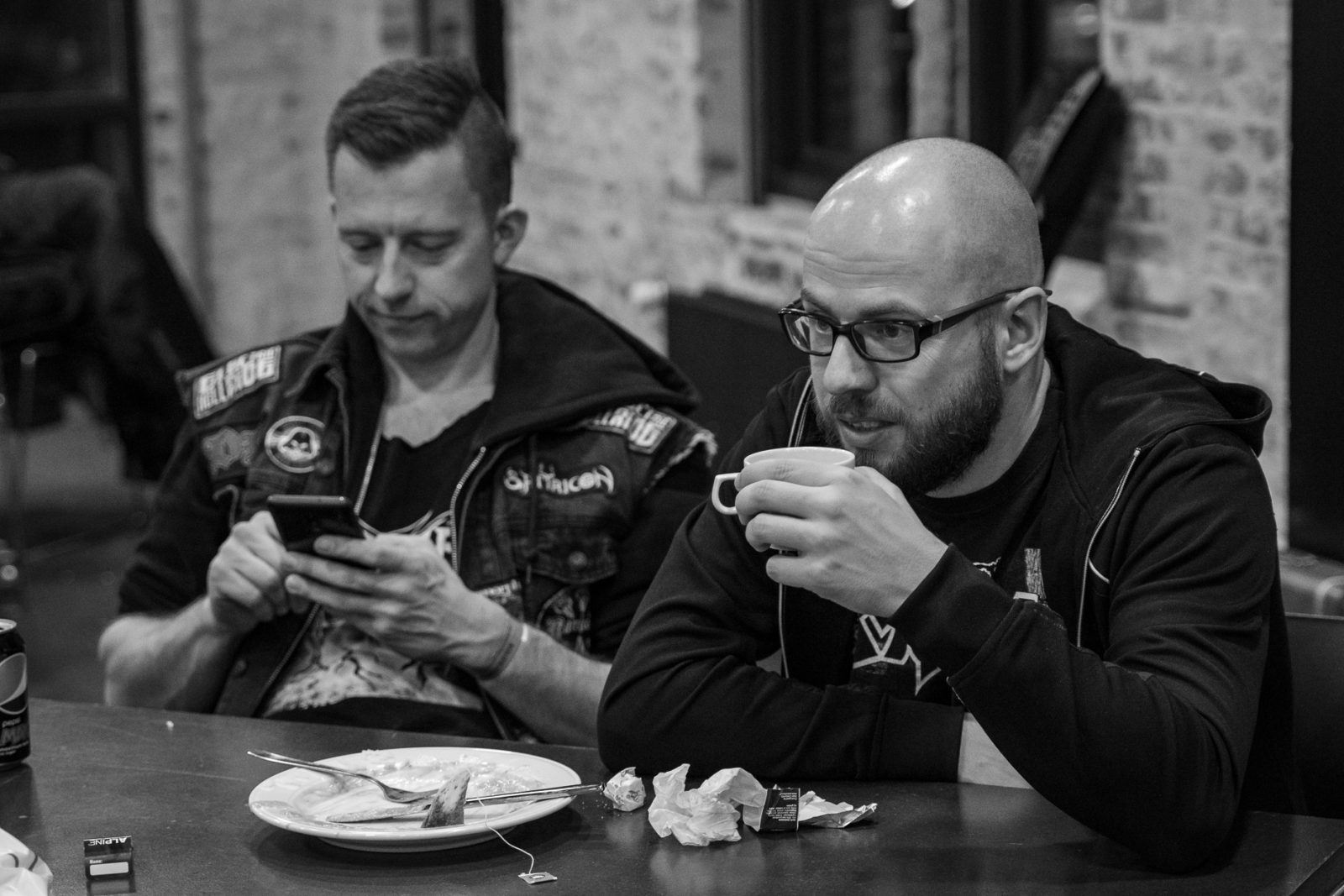 Concert Photography: Casper Villumsen drinking tea - Electric Hellride backstage at Hammer Smashed Face in Frederikshavn, 2019