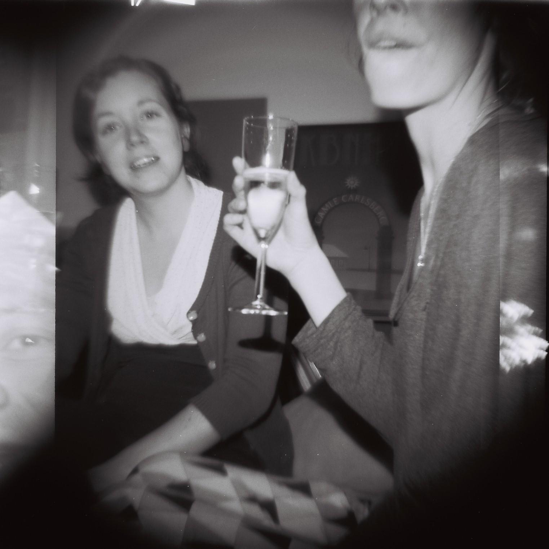 Sandra og Camilla til nytårsfest