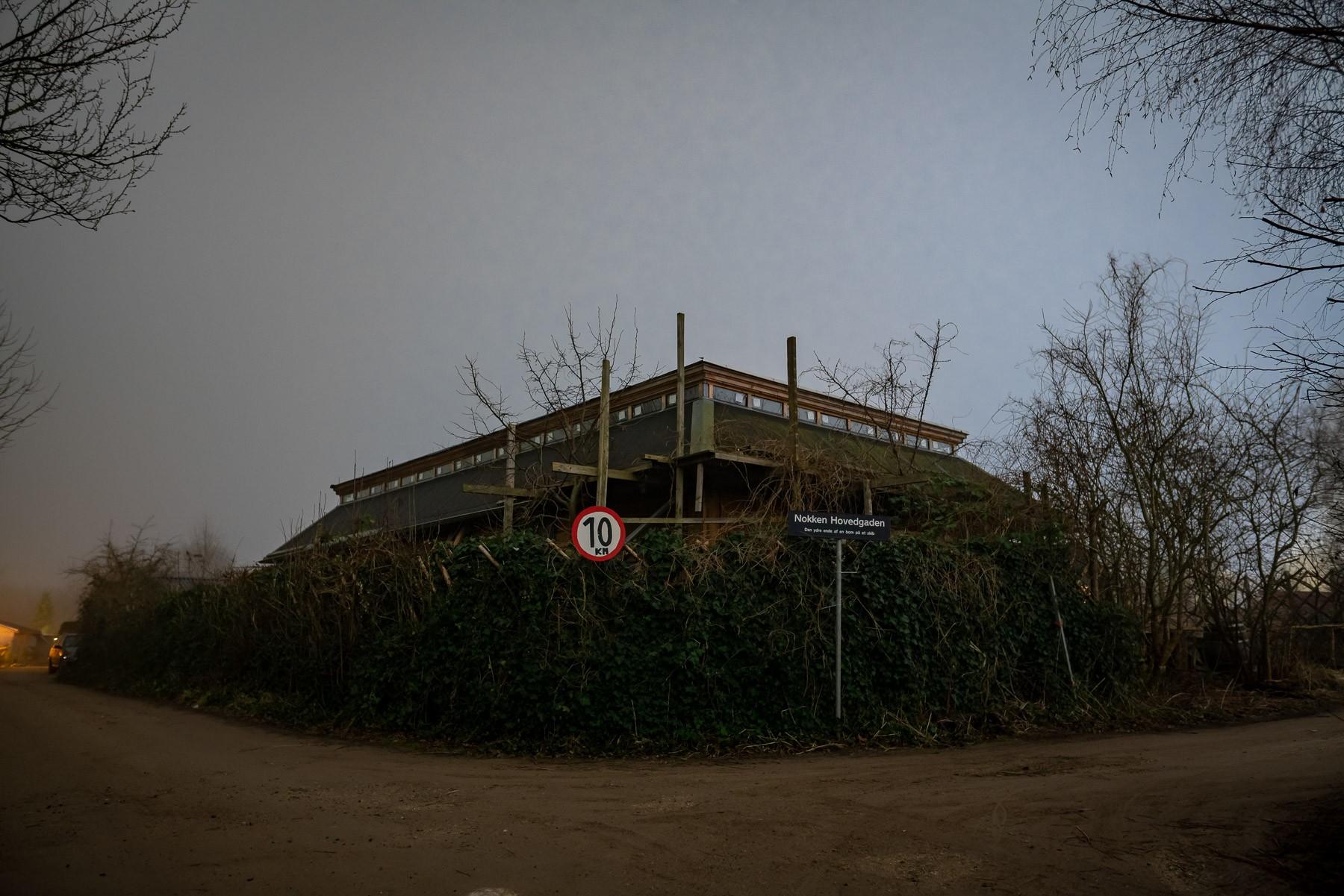 Stort hus under konstruktion i Haveforeningen Nokken