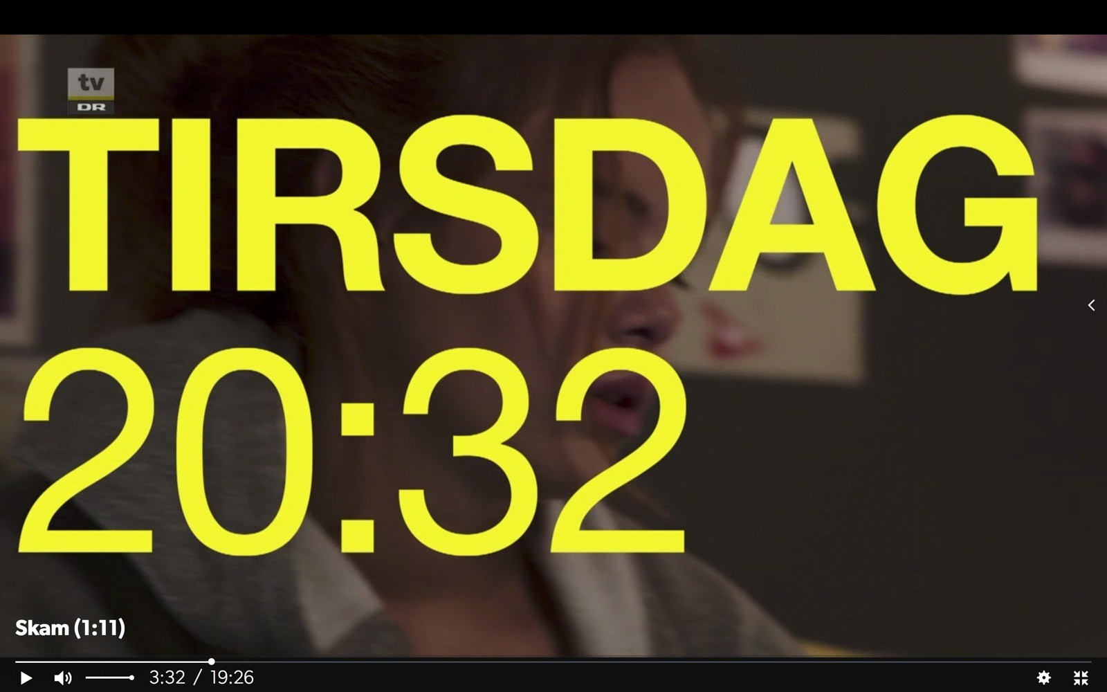 Titel, der markerer overgang fra en scene til en anden i serien Skam