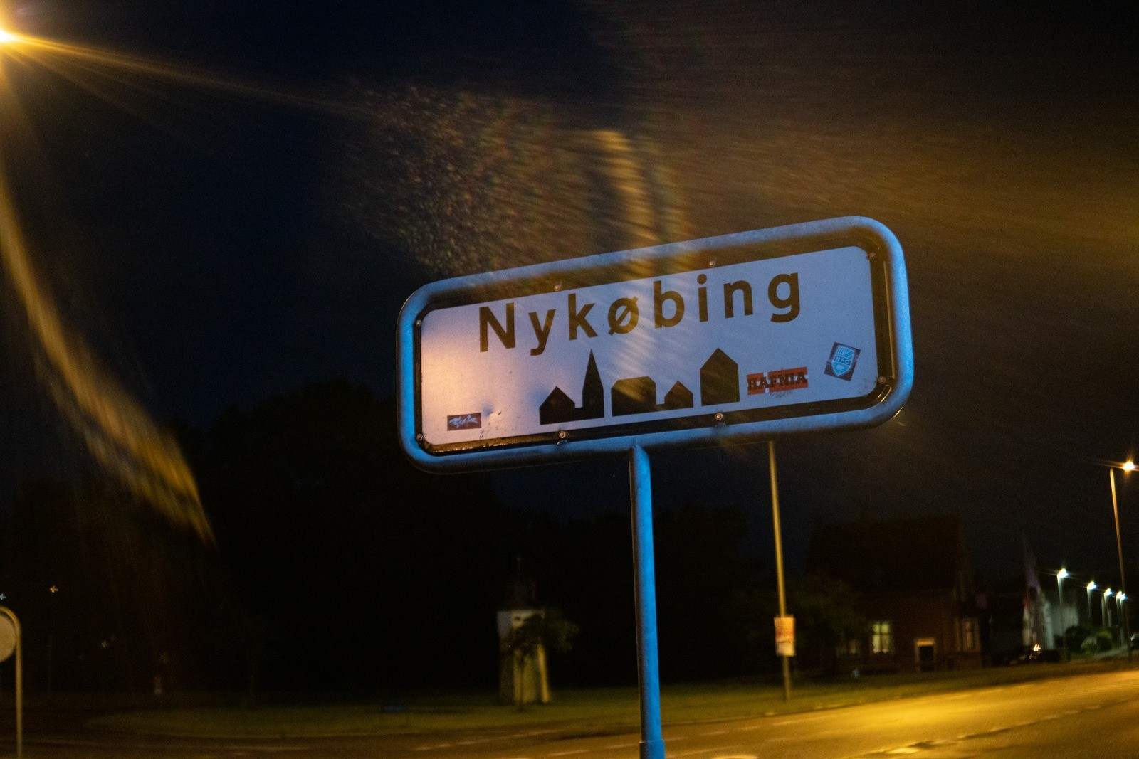 Byskilt, Nykøbing Falster - taget med Lomography Neptune objektiv