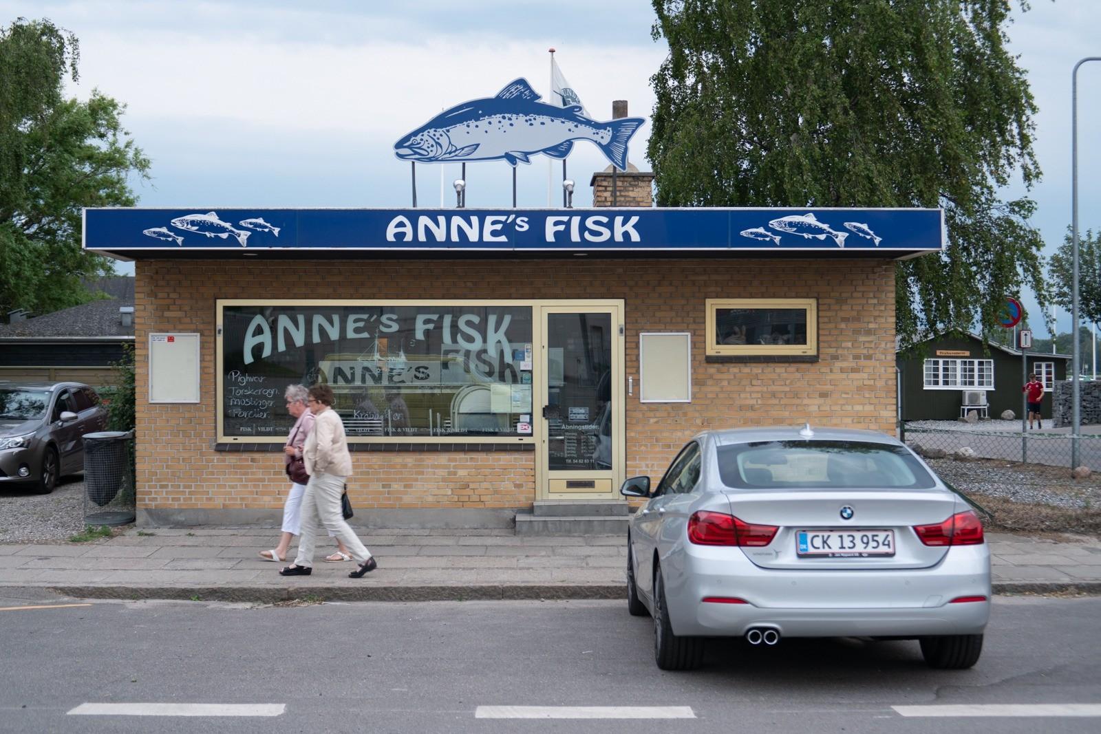 Annes Fisk, Nykøbing Falster - taget med Lomography Neptune objektiv