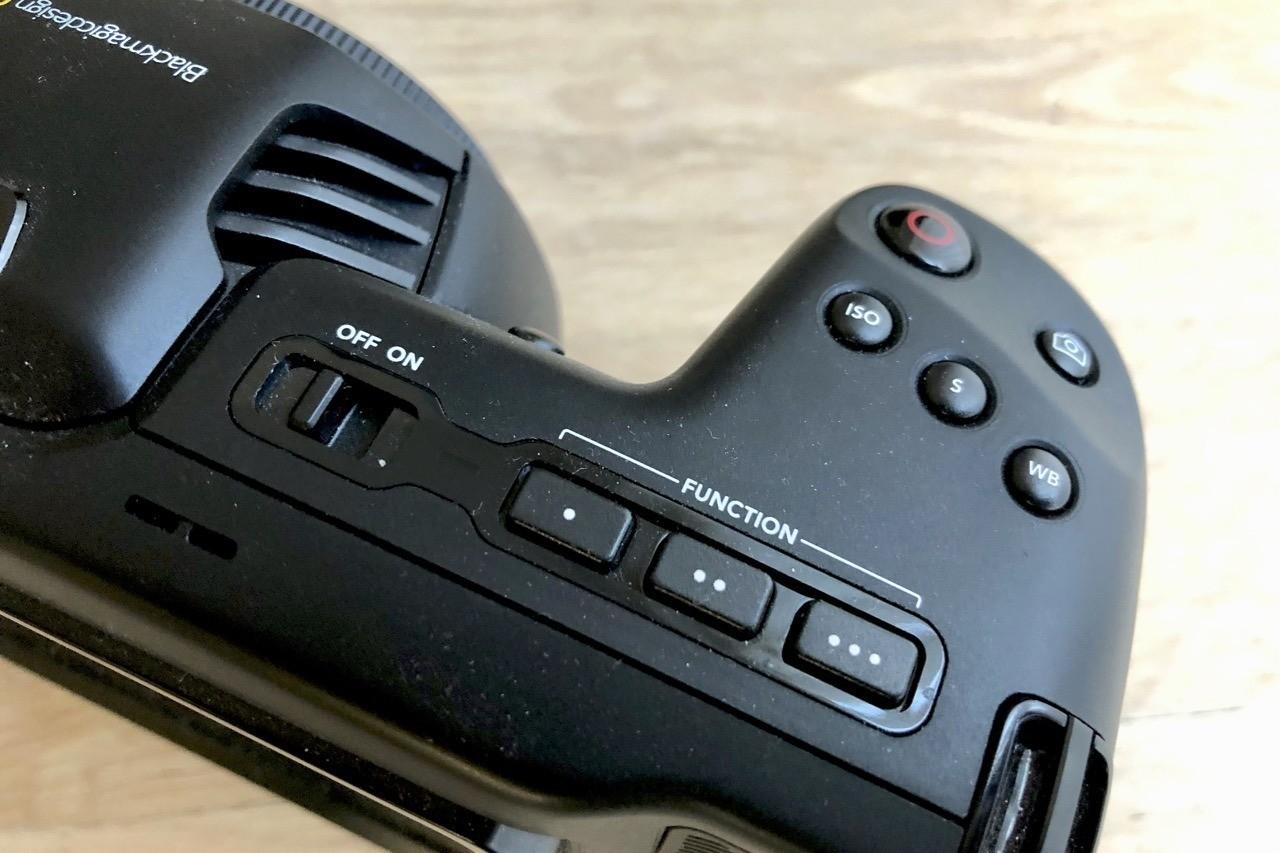 BMPCC4K - Knapperne på toppen af Blackmagic Pocket Cinema Camera 4K
