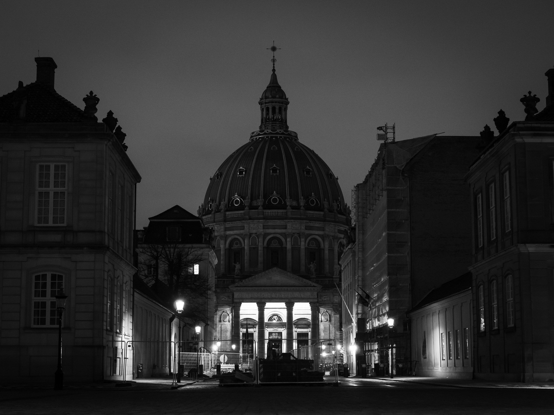 Marmorkirken (Frederiks Kirke) om aftenen