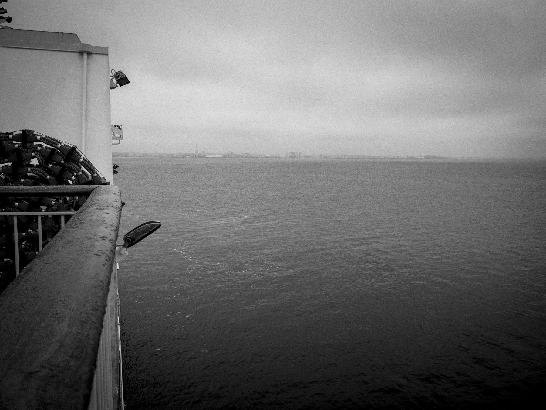 Helsingør-Helsingborg færgen - Helsingborg i det fjerne