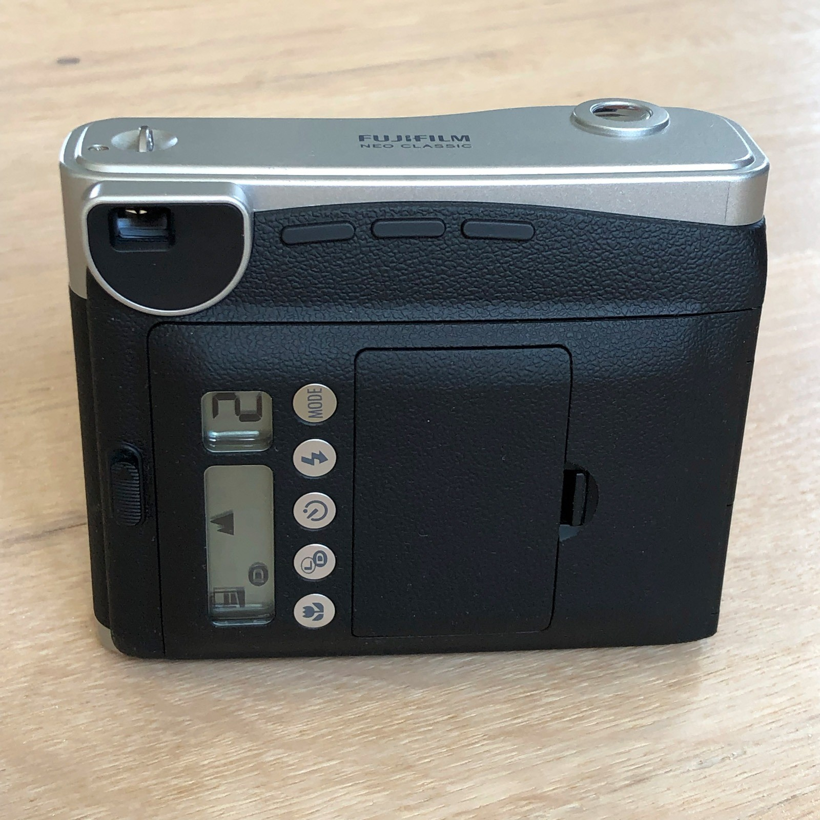 Fujifilm Instax Neo Classic Mini 90 - bagsiden