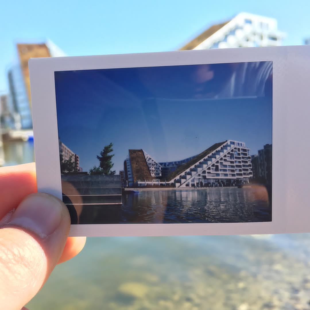 8-tallet i Ørestad - polaroid på Instagram