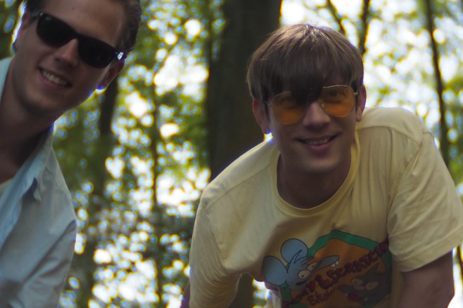 I skoven med Michael, Bornholm, fotograferet med et SLR Magic Toy Lens