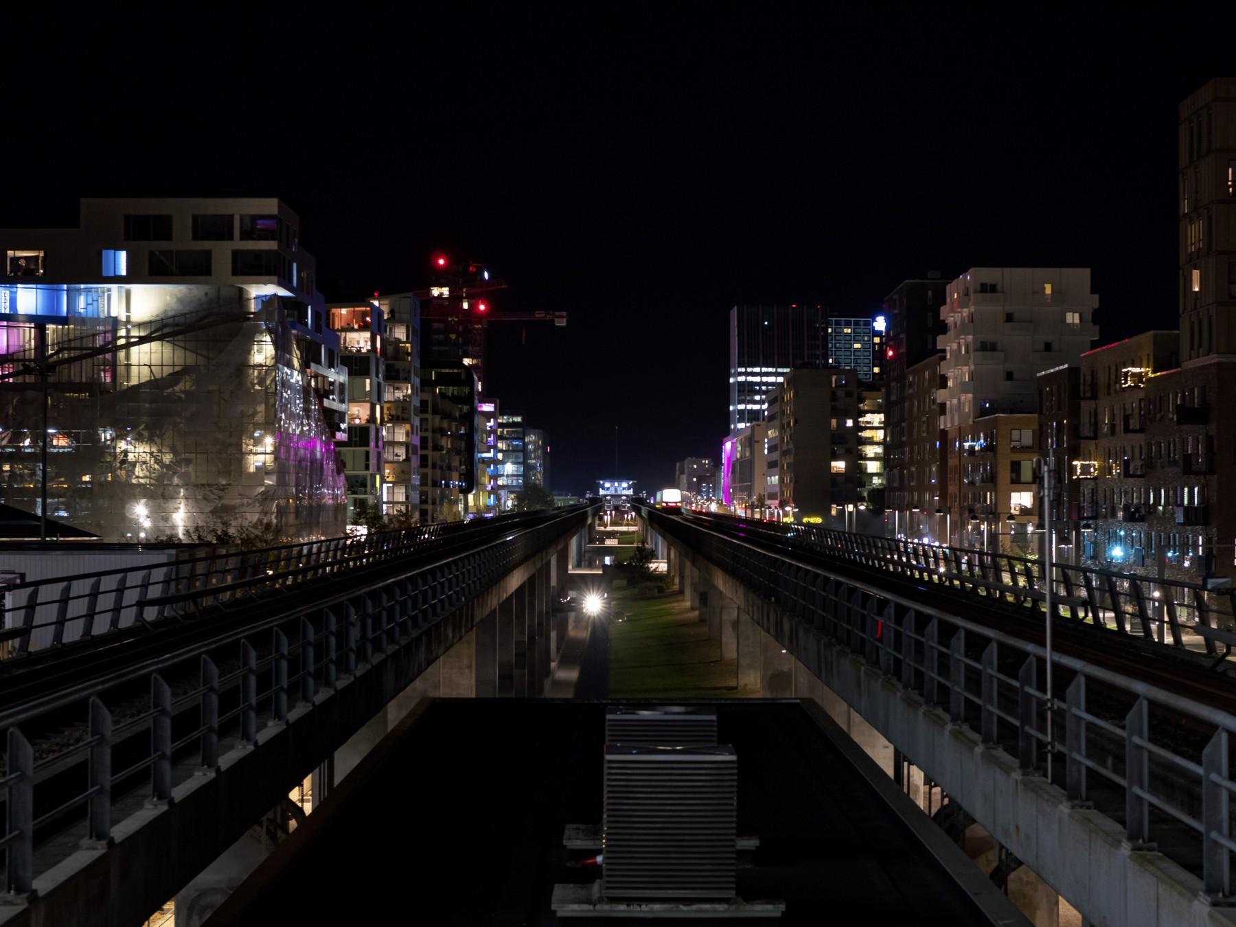 Ørestad og metroen om natten