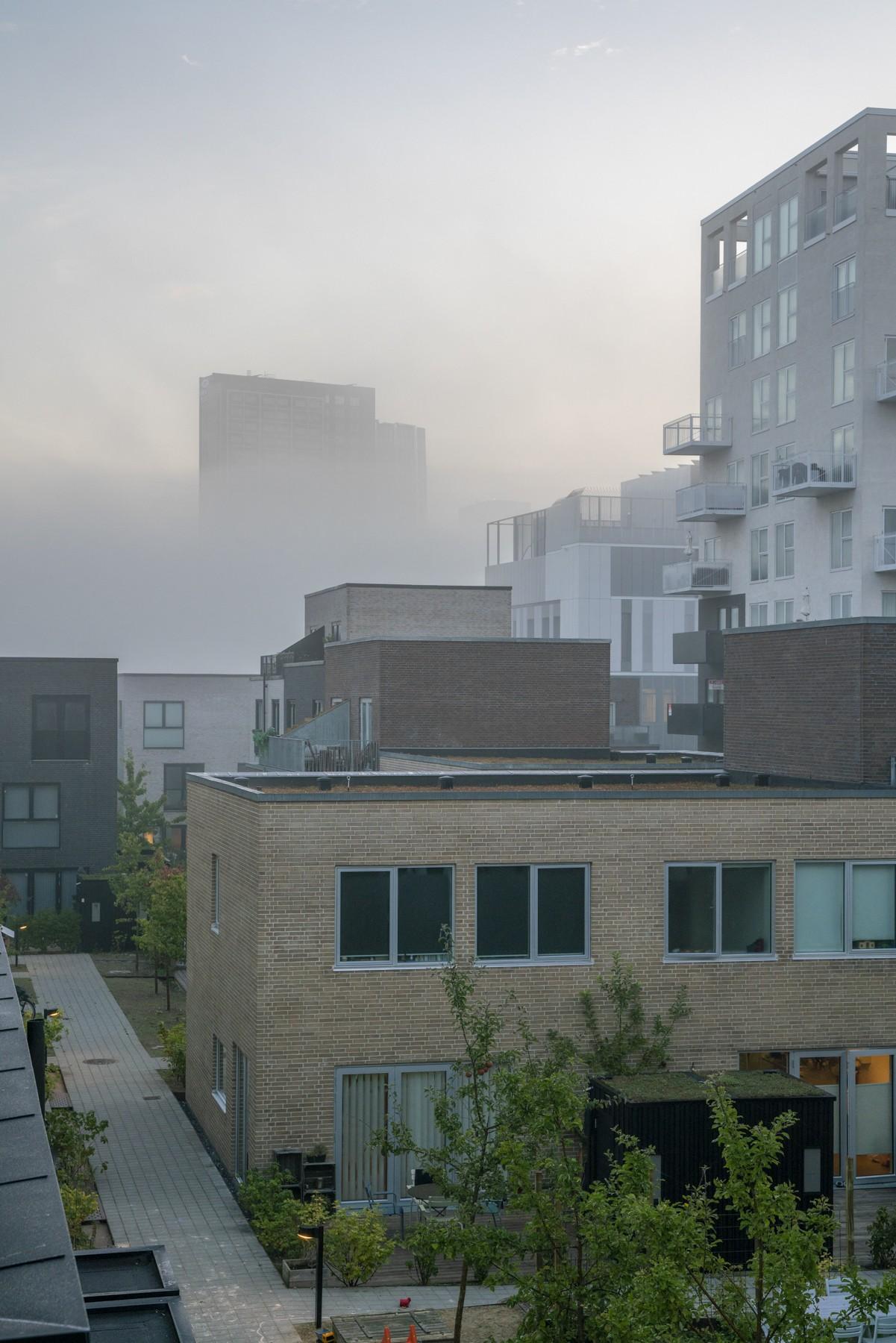 Ørestad indhyllet i tåge - Ferring højhuset kan knap nok ses