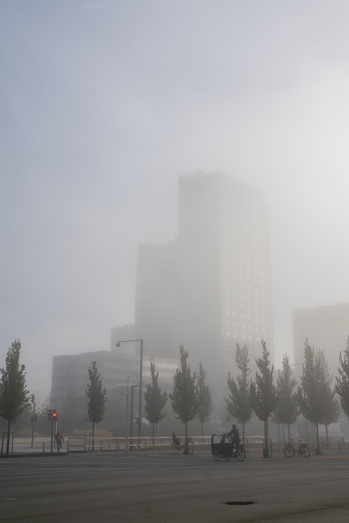Crowne Plaza indhyllet i tåge