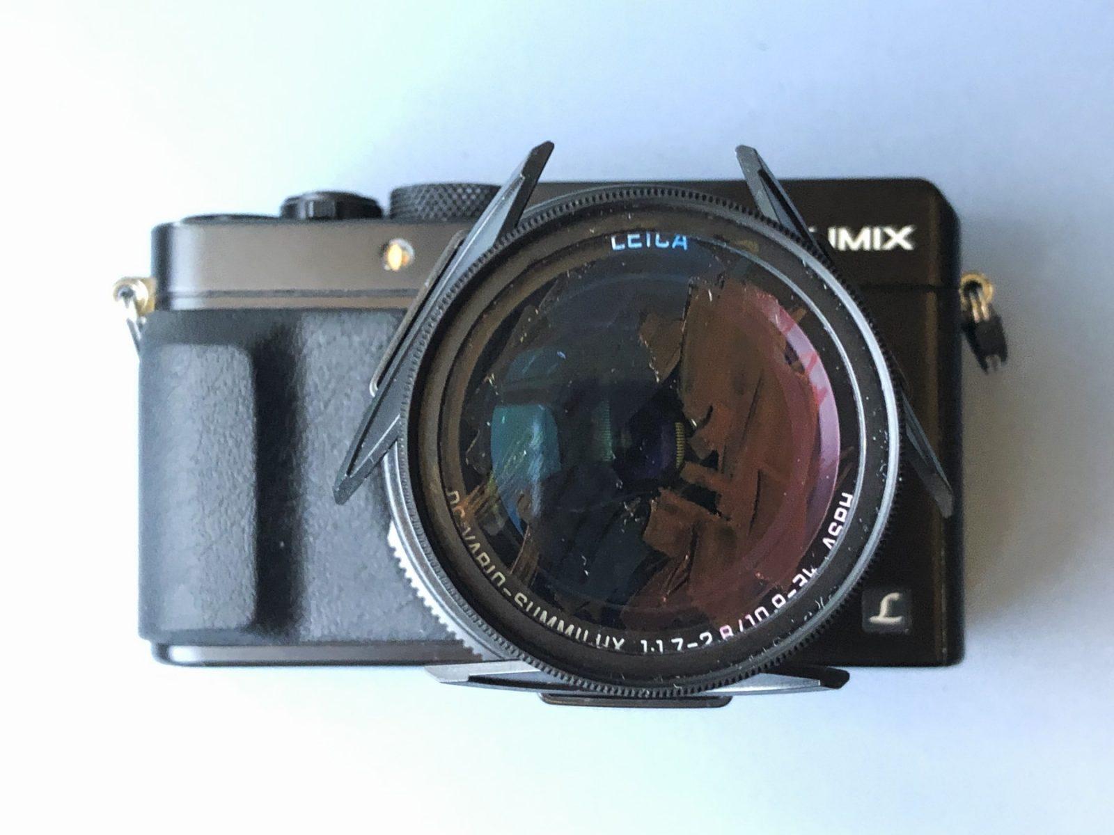 Fotosjov: Panasonic Lumix LX-100 med farvelader på UV-filtret