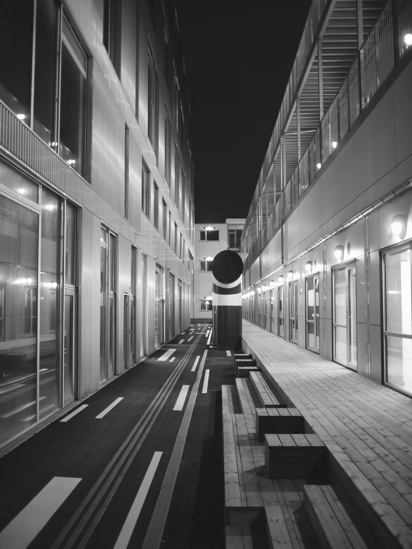 Urban geometry: Sydhavnen i Kbh - Skolen i Sydhavnen - Voigtländer 17.5mm til Micro Four Thirds