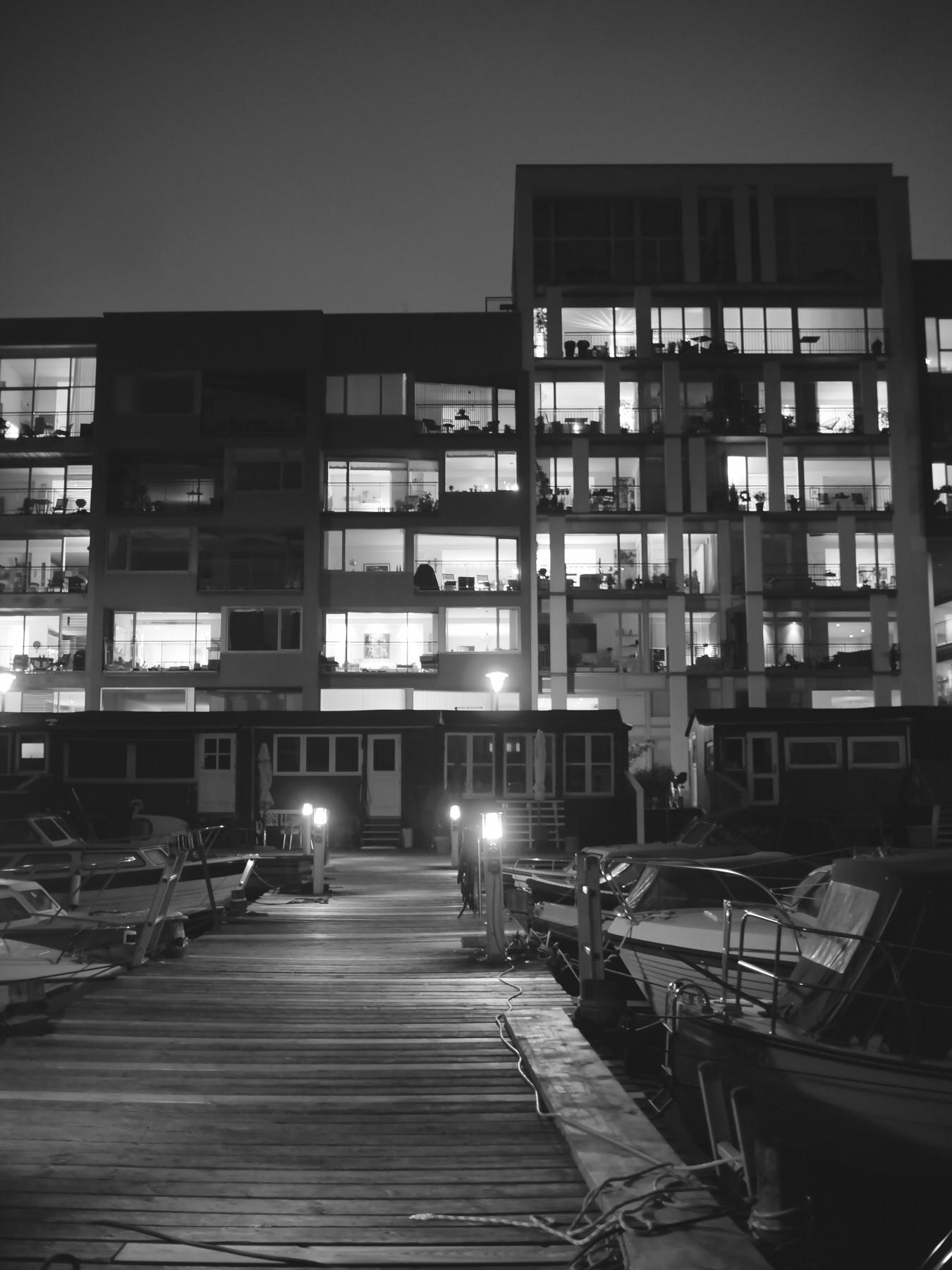 Urban geometry: Gammelt møder nyt - Voigtländer 17.5mm til Micro Four Thirds