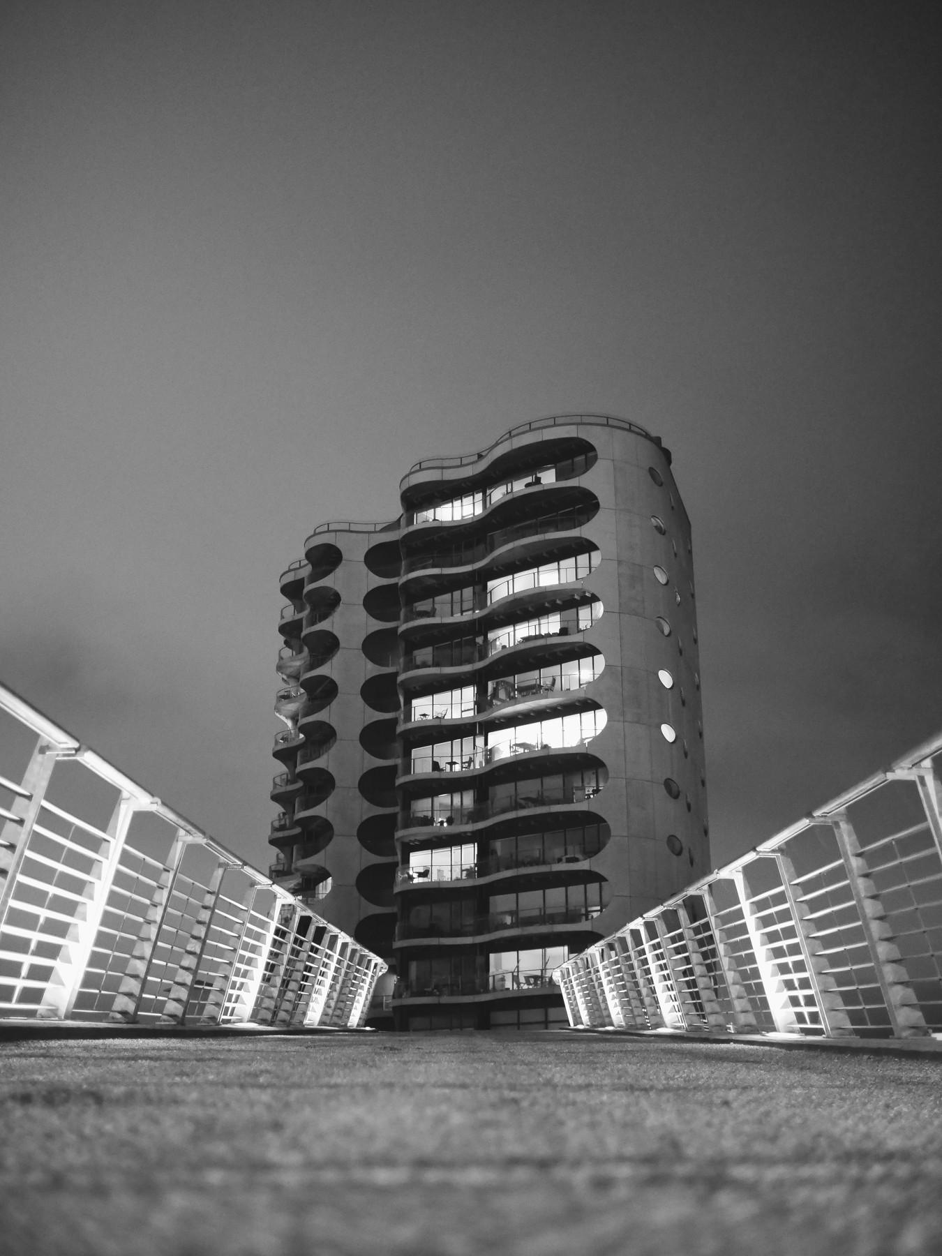 Urban geometry: Metropolis CPH højhuset - Voigtländer 17.5mm til Micro Four Thirds