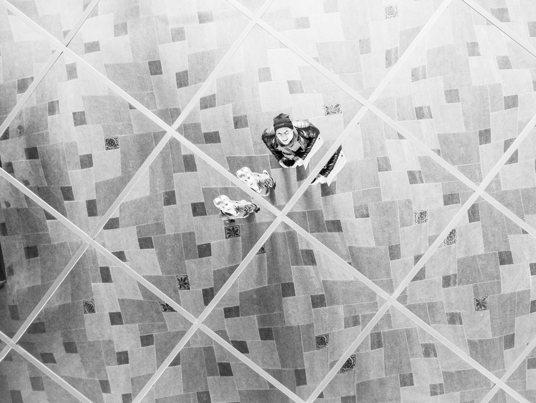 Lille spejl i loftet der... Halloween i Tivoli