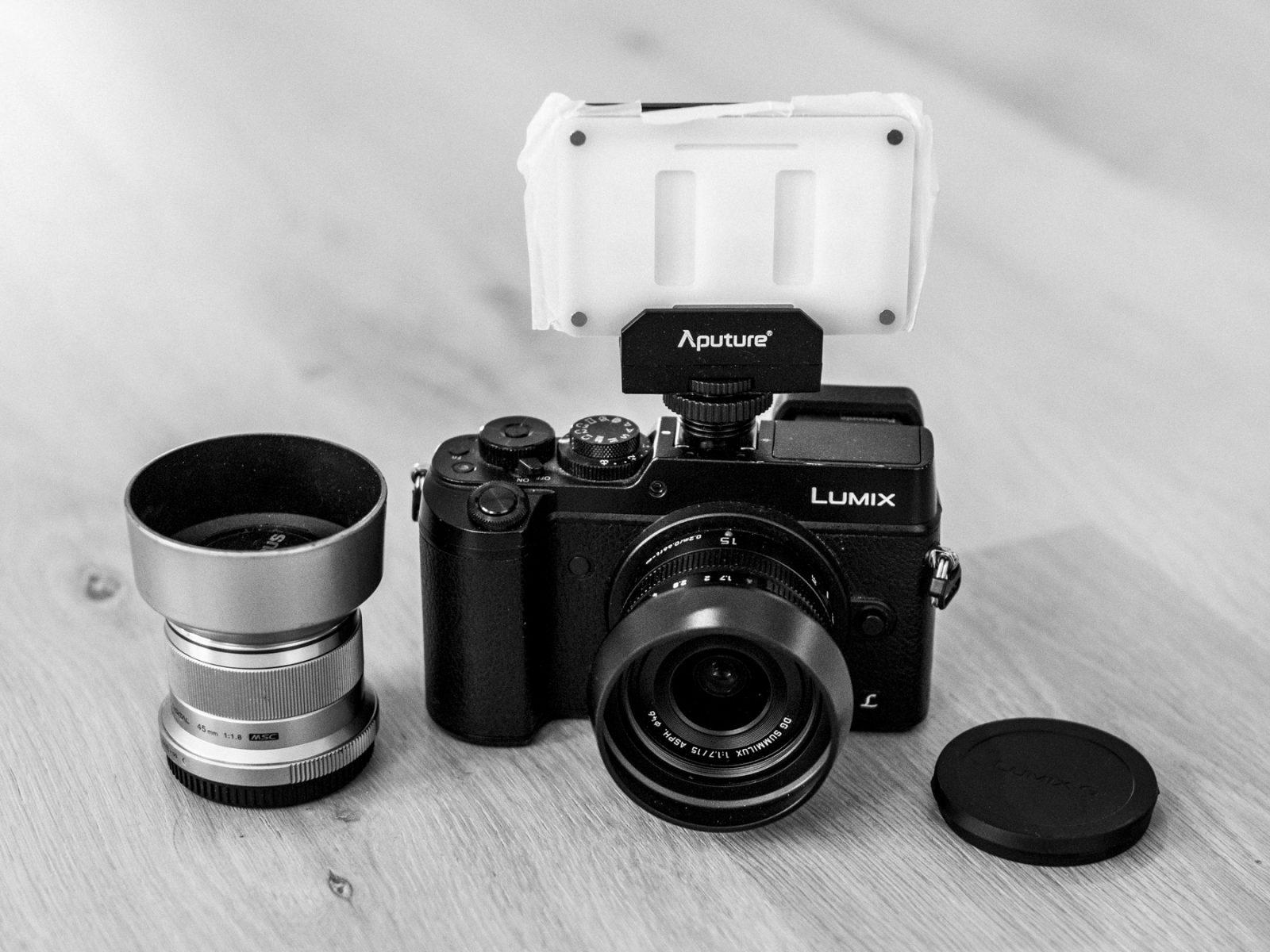 Panasonic Lumix GX8, Panasonic 15mm f/1.7, Olympus 42.5mm f/1.8 og Aputure Amaran AL-M9
