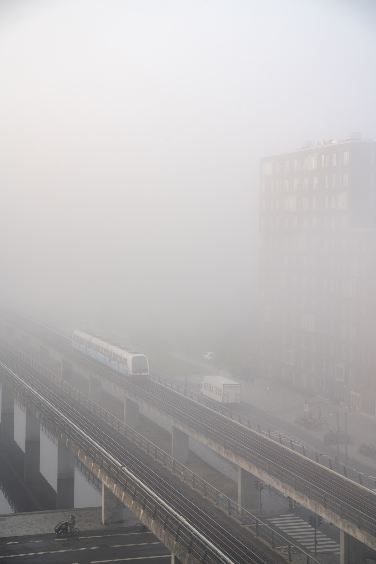 Ørestad C indhyllet i tåge