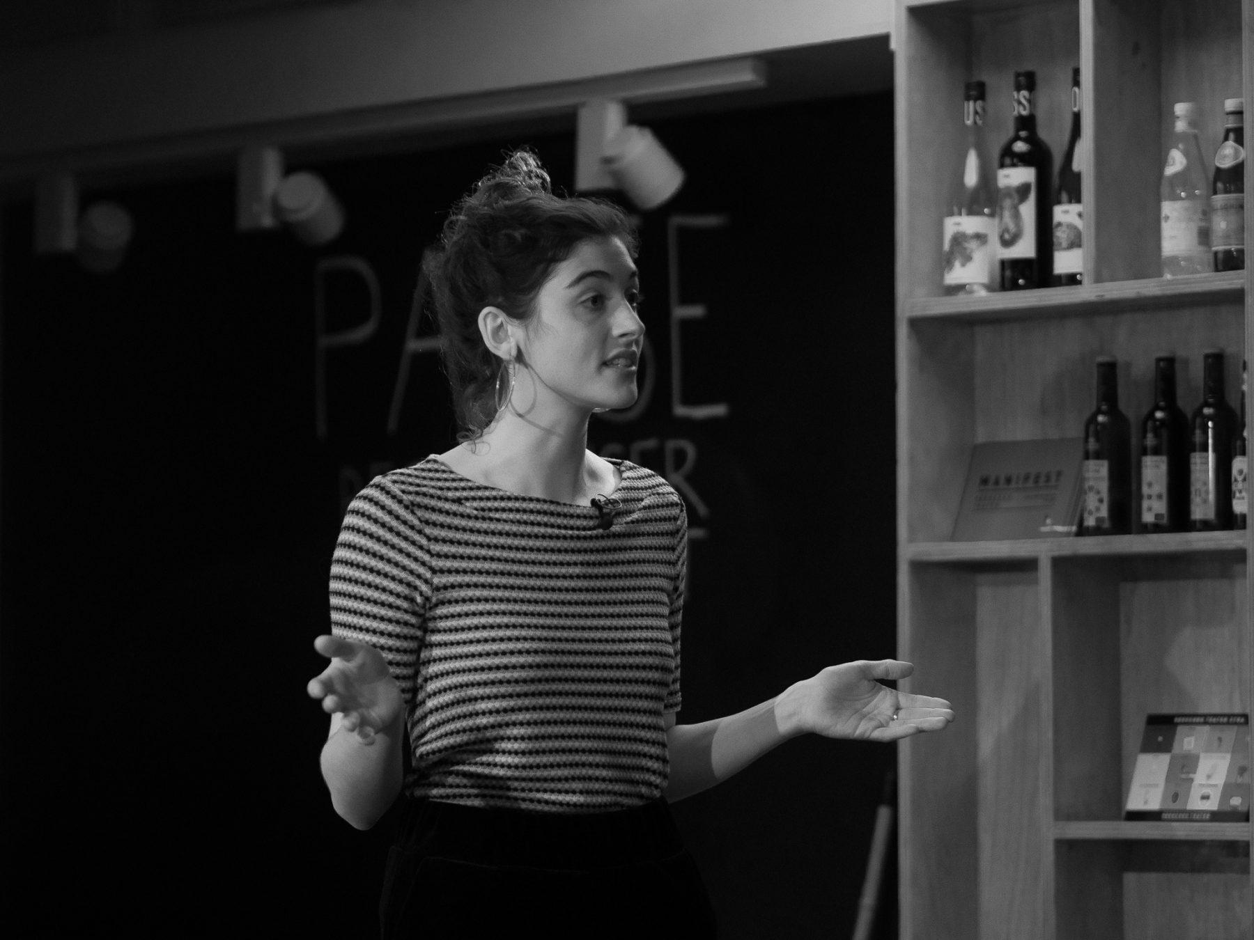 Sophie Grodin holder oplæg til Creative Morning