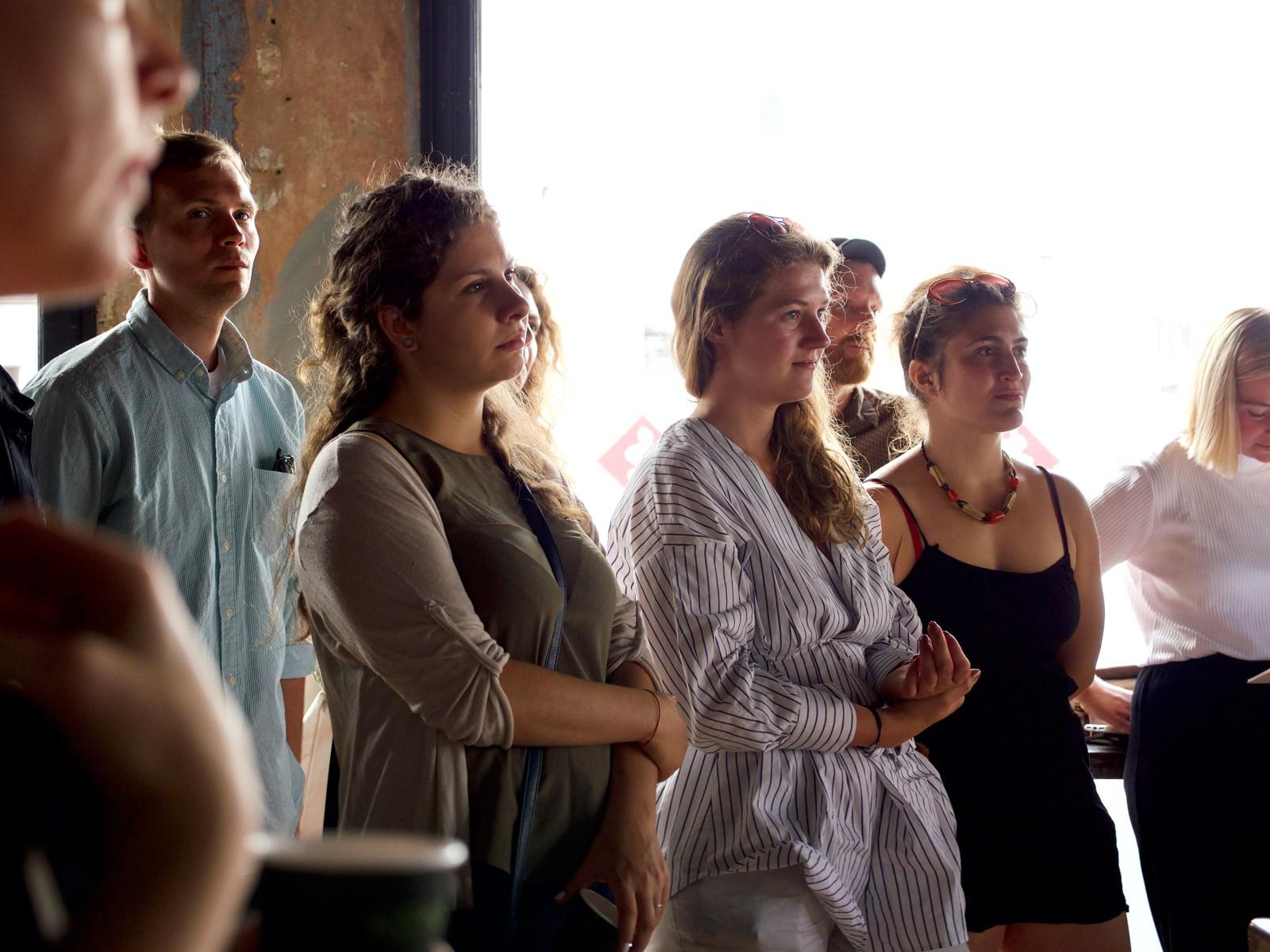 Publikum ved Creative Mornings hos Officin, Hawaii Bio, København