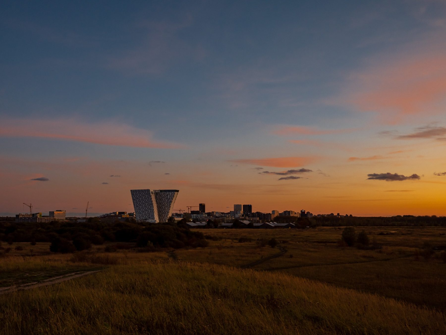 Ørestad set fra Nord ved solnedgang, efterår 2019