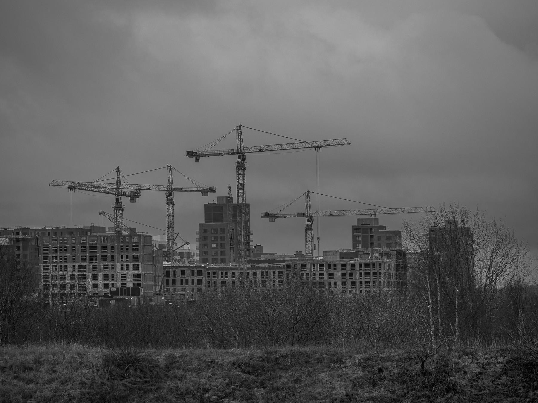 Masser af byggeaktivitet og kraner i Ørestad, januar 2018