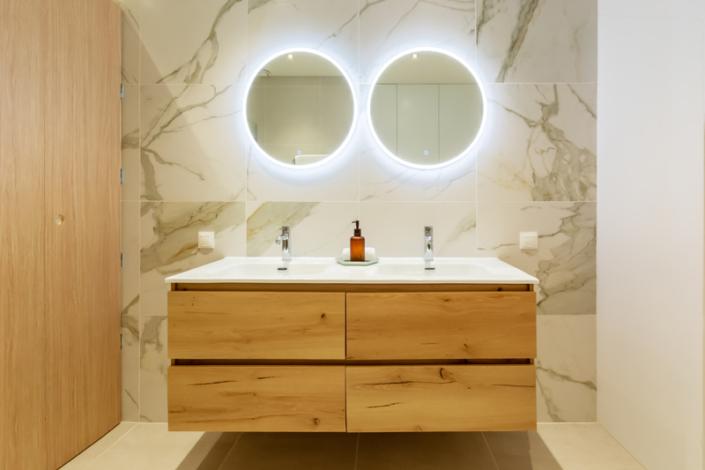 bathroom marble look design