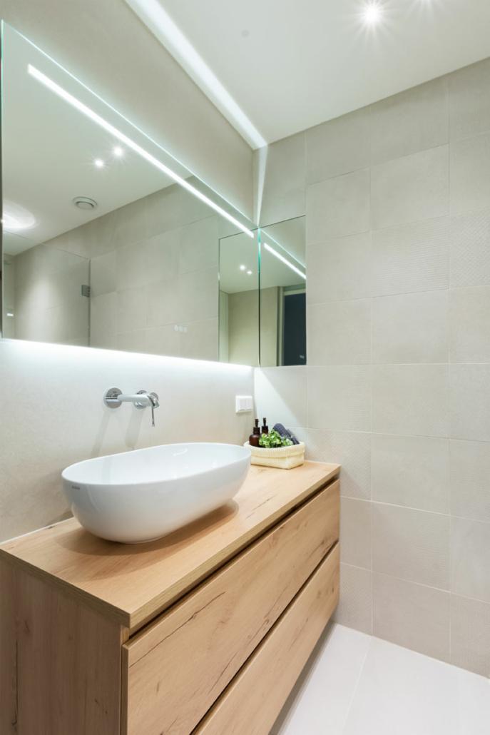 renovation bathroom small