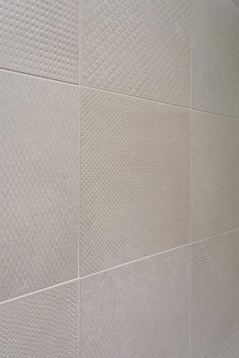renovation bathroom small tiles