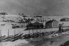 22-Binde-skole-meieri-landhandel-og-gård-ca-1905
