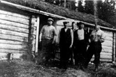 33-Skogsarbeidere-Hesjehølet-Åsvatnet-ca-1940