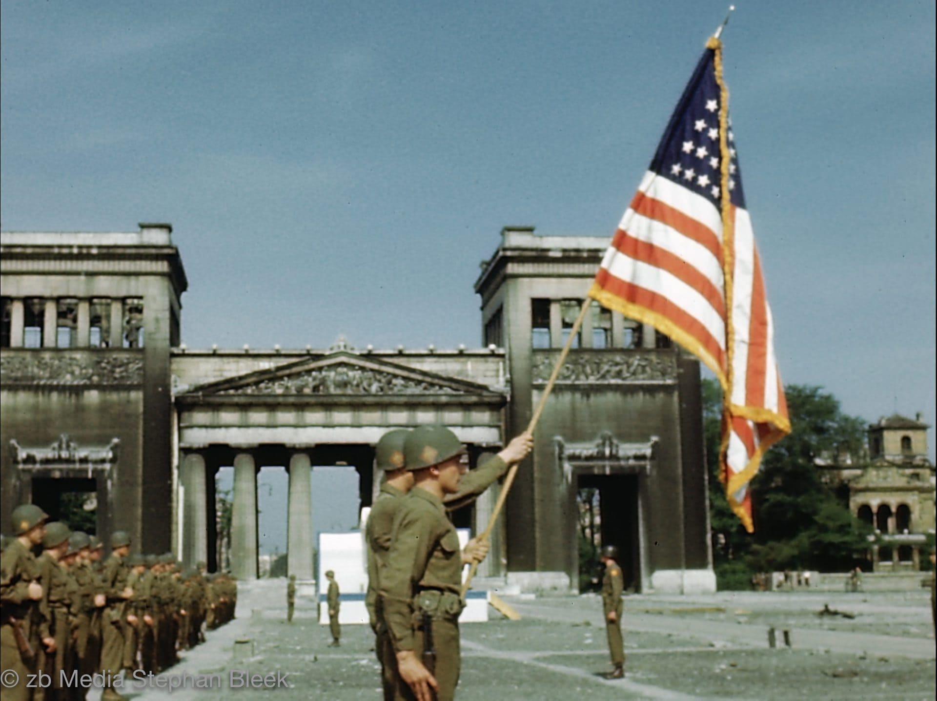 München 1945 Königsplatz