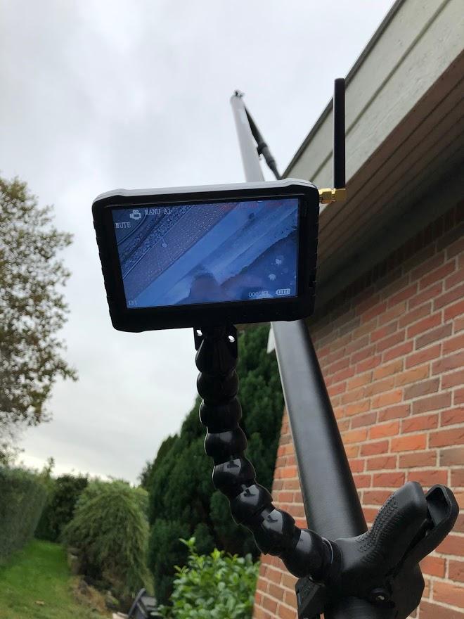 Vores kamera gør at vi får alt snavs med når vi støvsuger tagrender