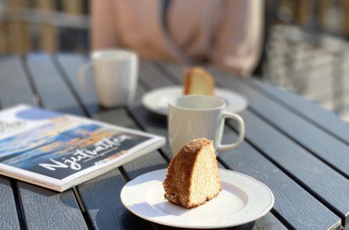 kaffe med en vän på Strand