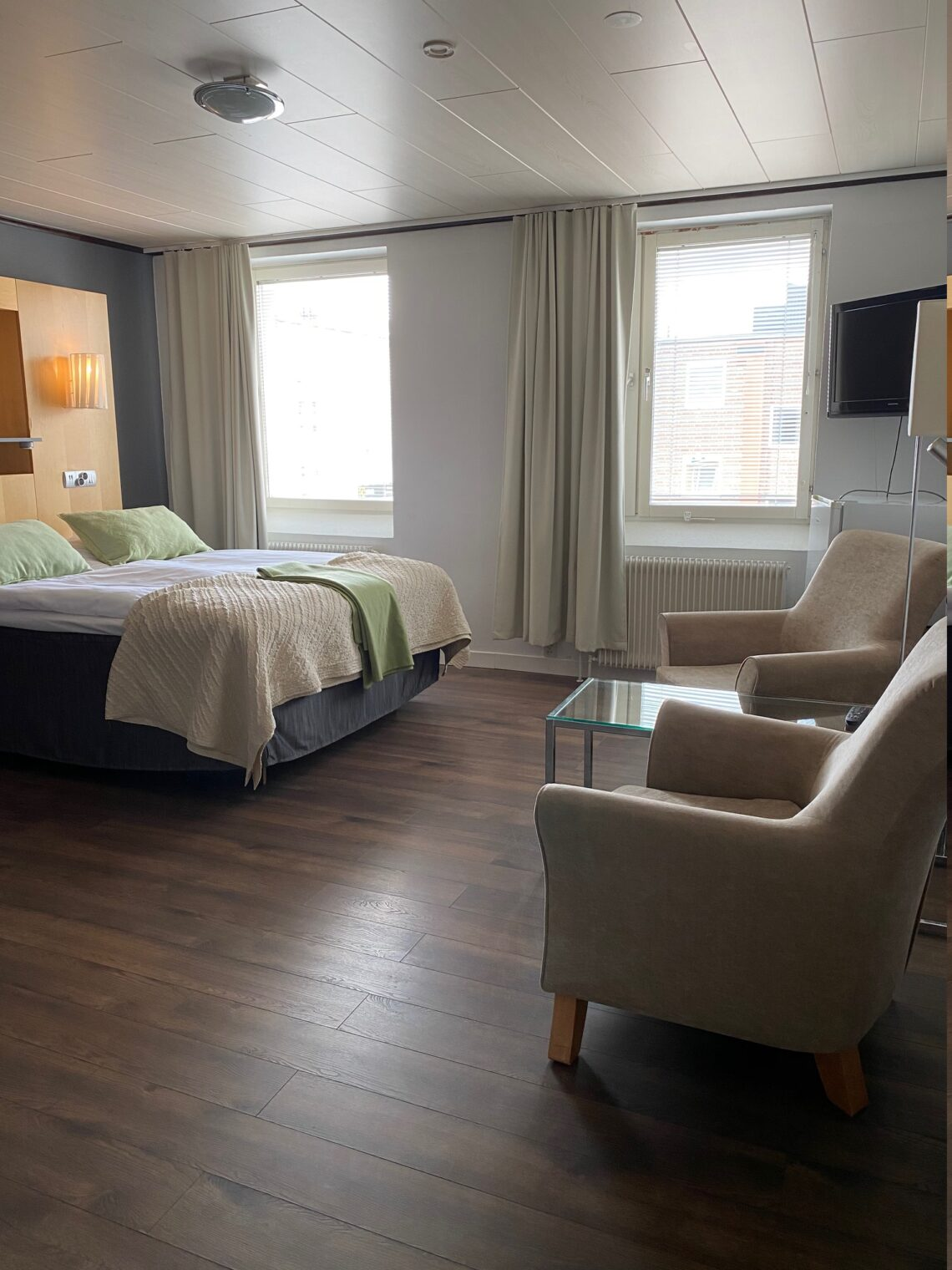 Våra rymlig rum på Strand City Hotell