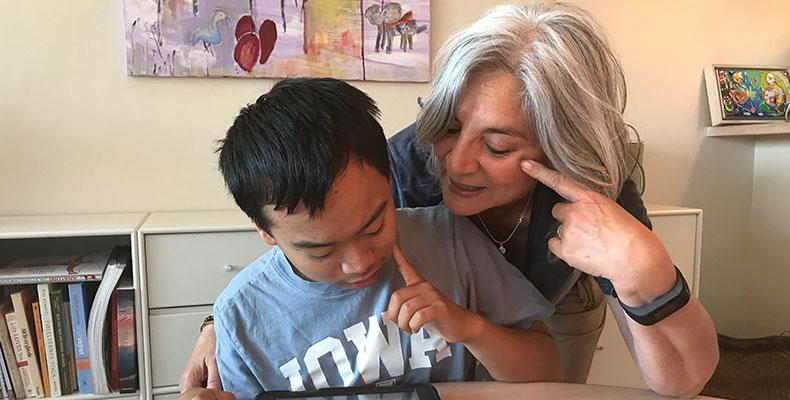 Billede af Simon, et handicappet barn