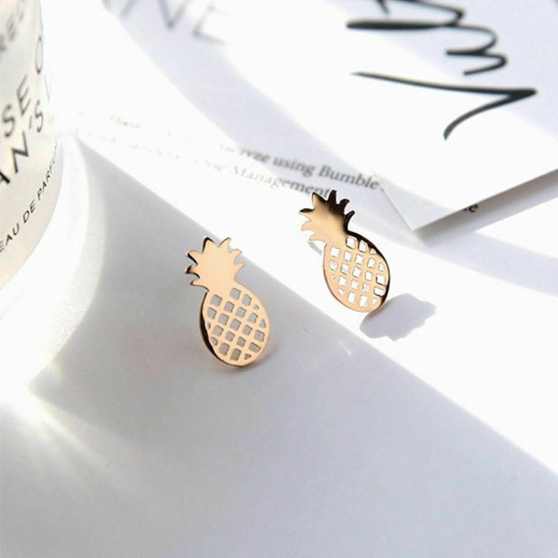 Örhangen guld ananas