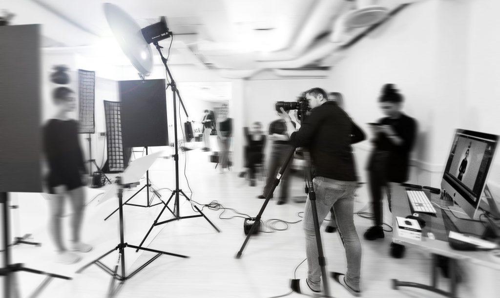 Fotograf, Halmstad, Fotograf i Halmstad, Fotograf Halmstad. Produktfotograf. Reklamfilm. Porträtt. Företag, produktfoto, studio halmstad