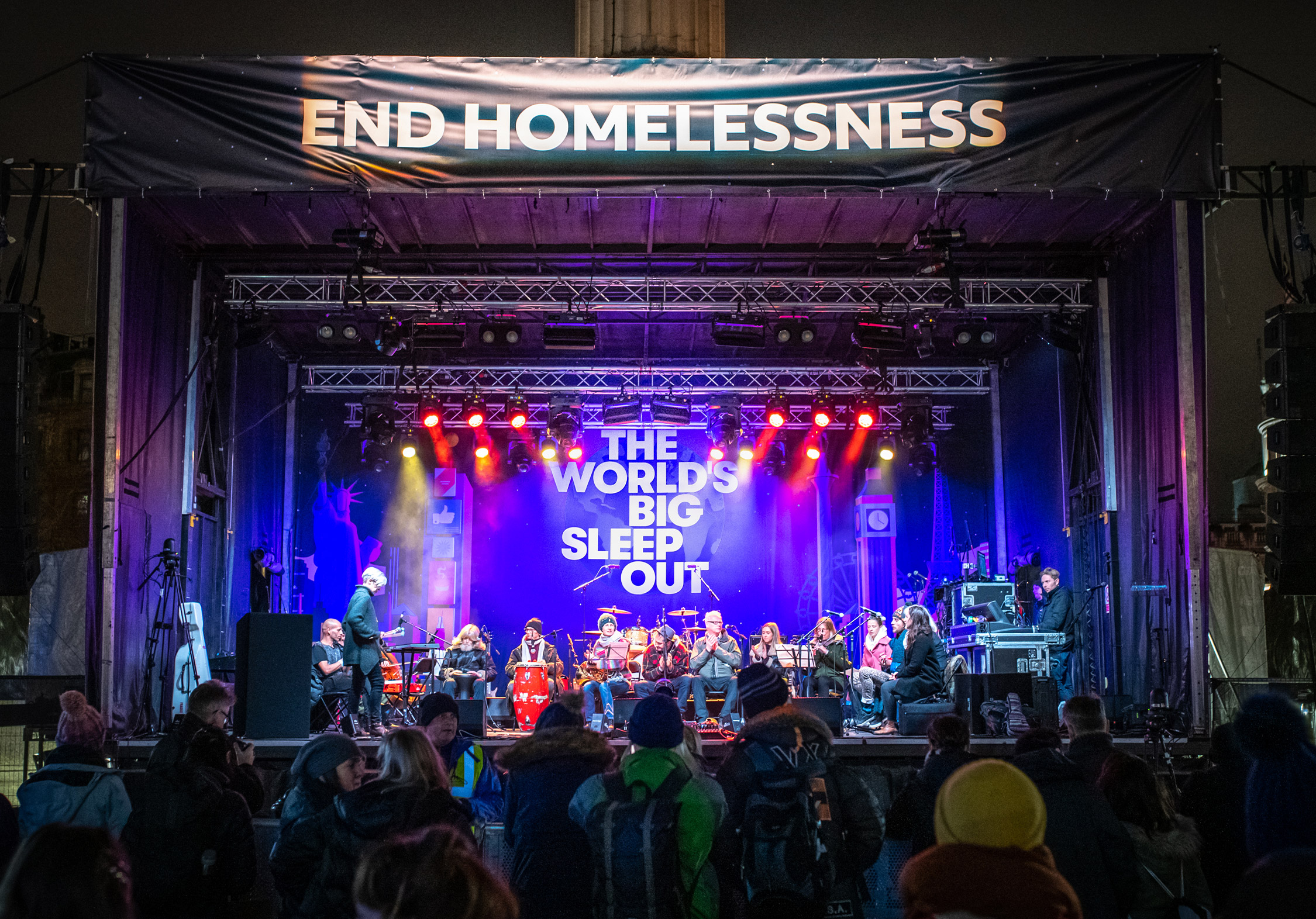 Worlds_Big_Sleep_Out_Stage_London