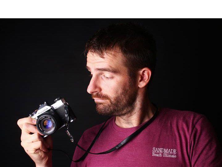 Fotograf mit alter Kamera