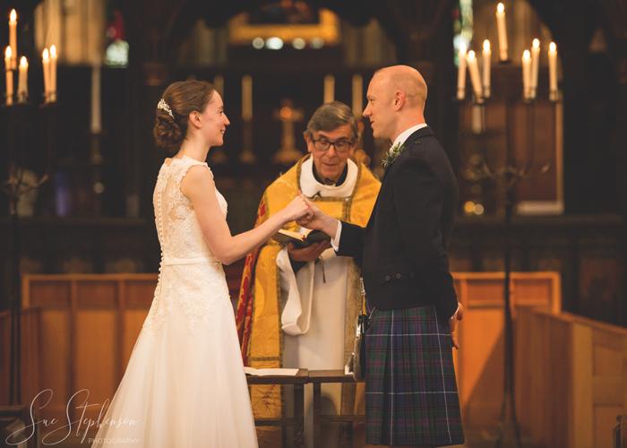 wedding photos hexham abbey