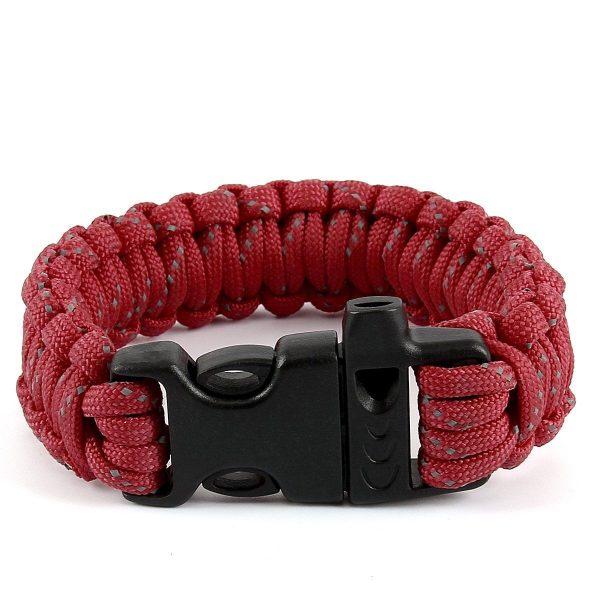 Rødt armbånd med grå nister. 1