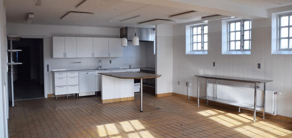 Sundbyhus rummelige køkken lokale