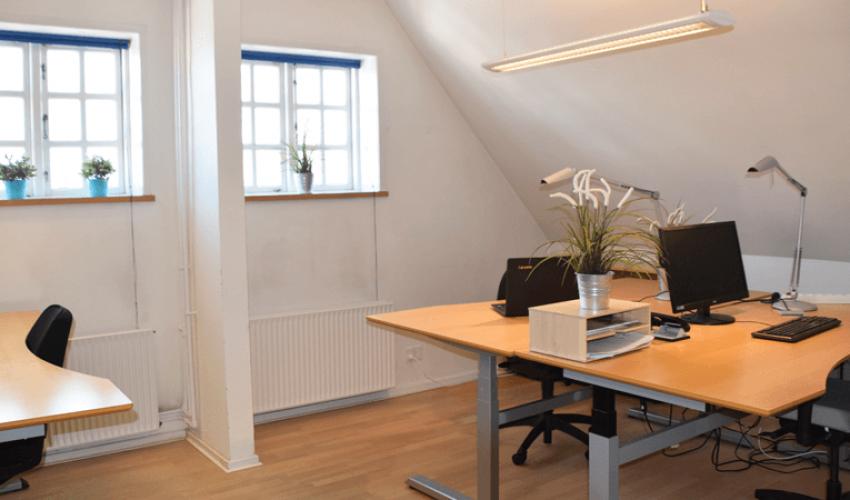 Lyst kontor lokale for iværksættere
