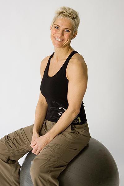 Susanne Schrøder RAB godkendt akupunktør, zoneterapeut og massør. Personlig træner