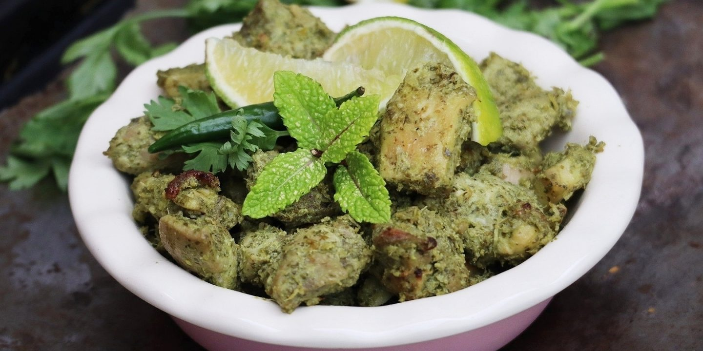 Baked mint and coriander chicken