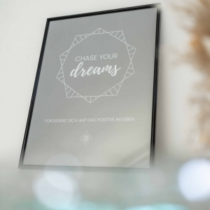 POSTER – CHASE YOUR DREAMS