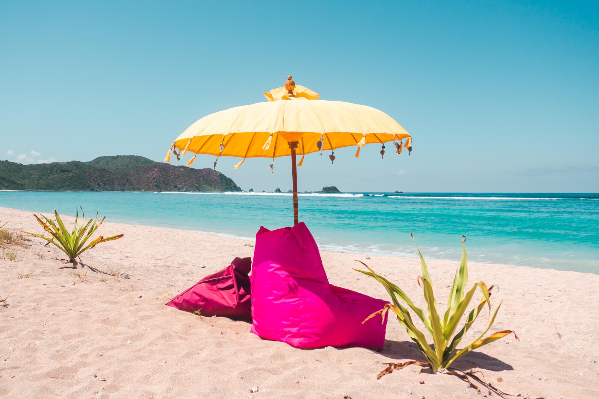 Top 5 things to do in Lombok - Spend the day at Lancing Beach #Lombok