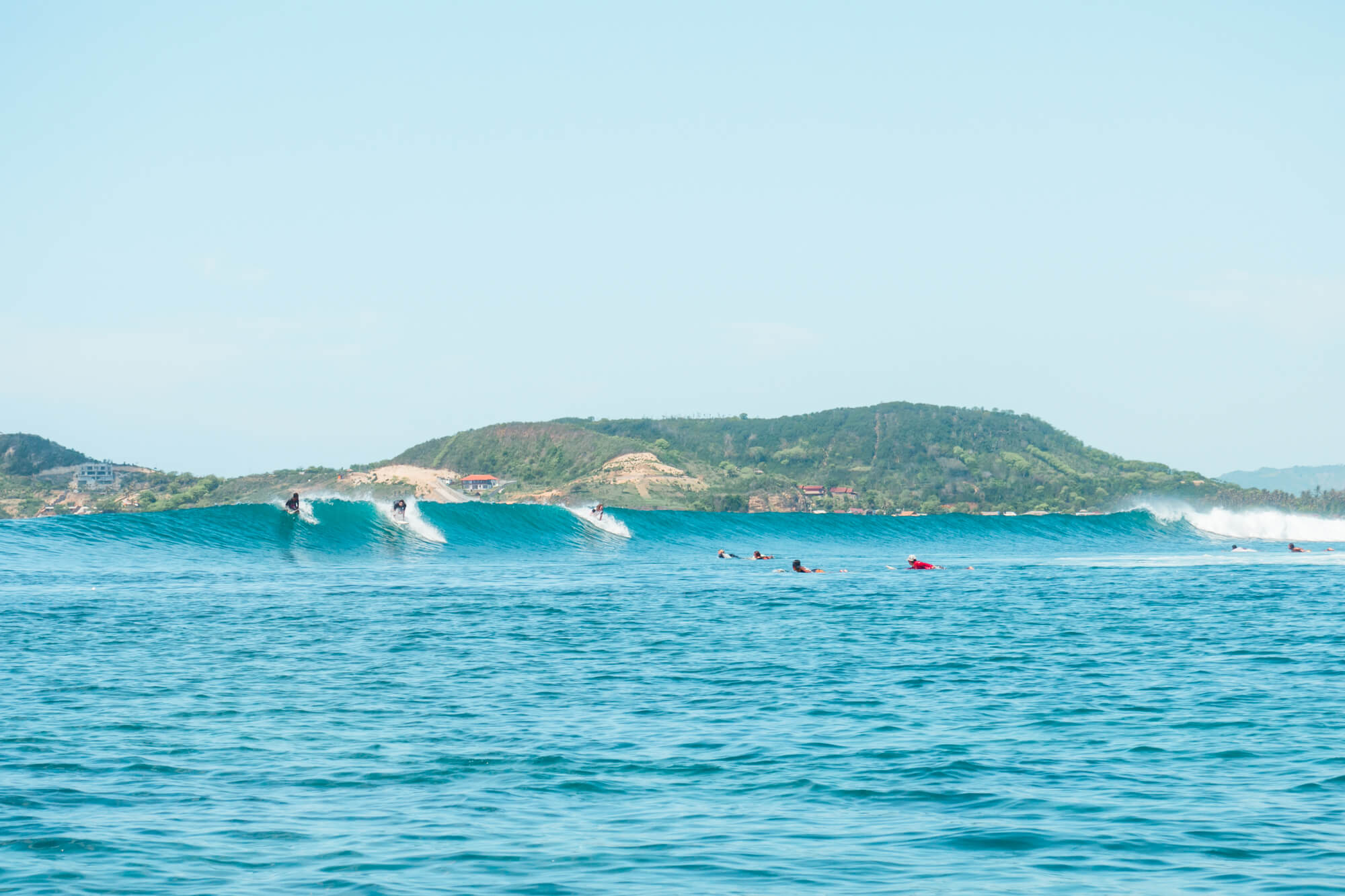Top 5 things to do in Lombok - Learn to surf at a surf camp in Gerupuk #lombok