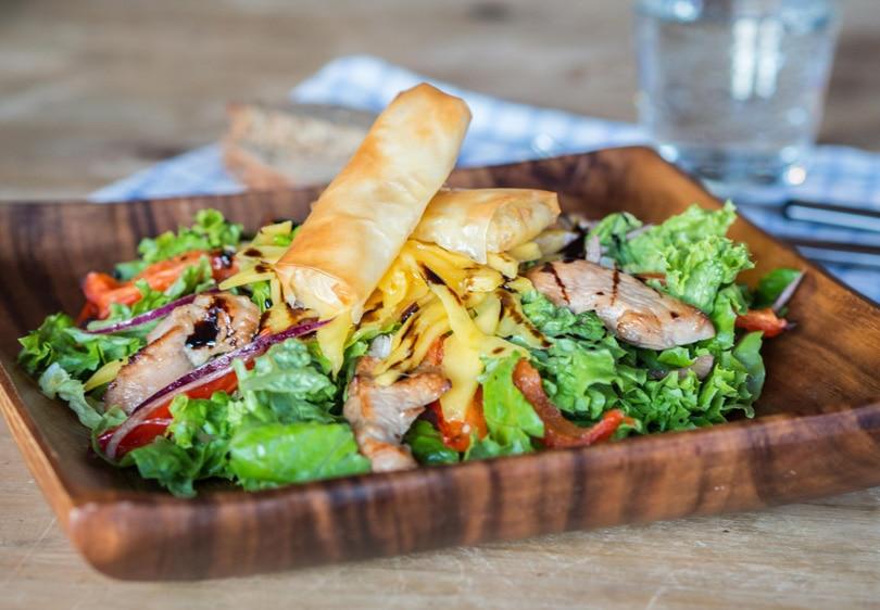 Honey & balsamic chicken salad with mango and mozzarella